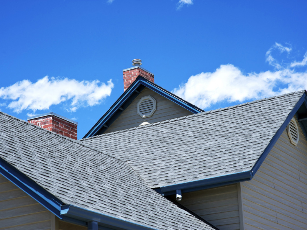 4 reasons to schedule regular roof maintenance